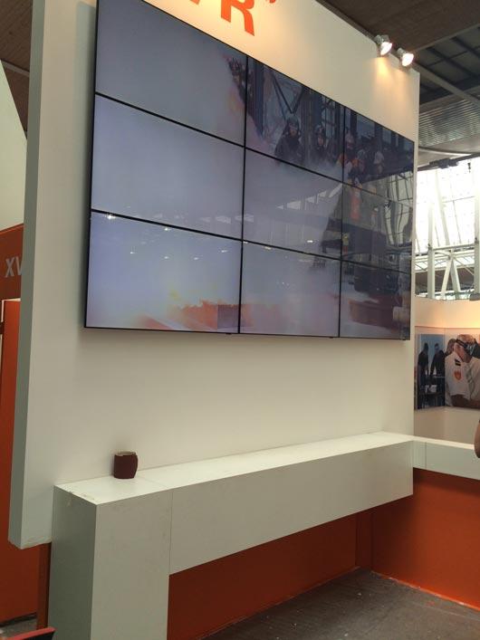3×3 videowall wandmontage